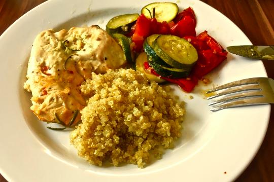 Mediterranes Gemüse mit Huhn und Quinoa