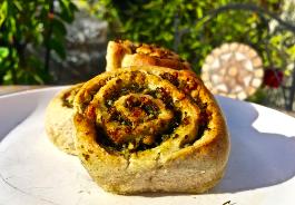 Vollkorn-Pesto-Schnecken