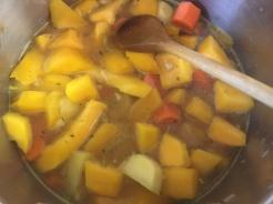Gemüse weichkochen und pürieren
