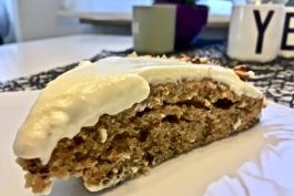 Rübli-Kuchen mit Frischkäse-Guss