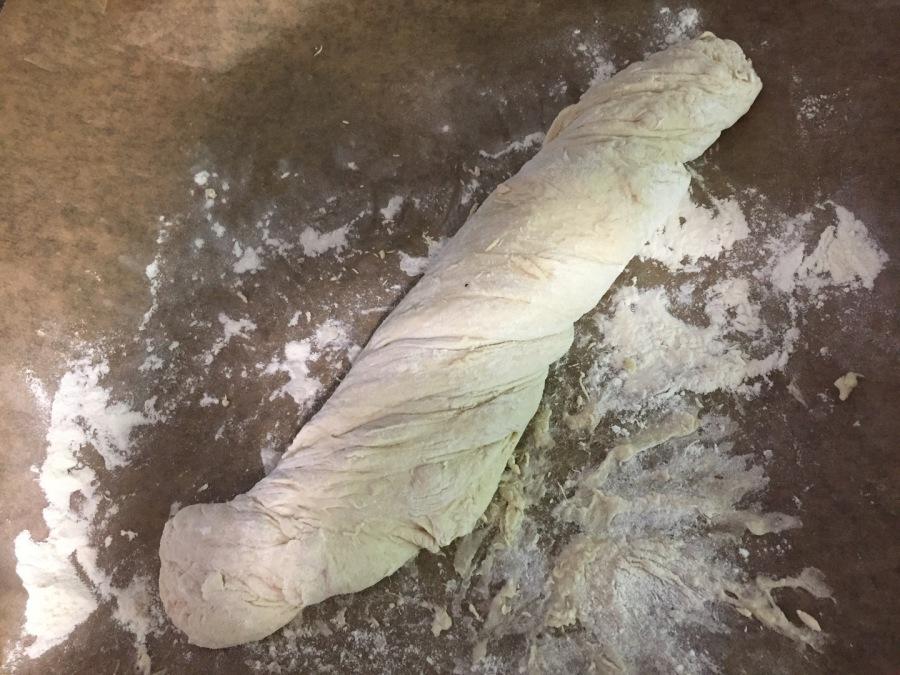 Teig zu Baguette formen