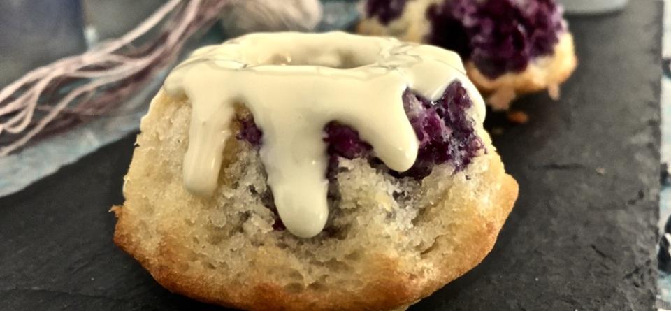 Joghurt-Blaubeer Minigugelhupfe